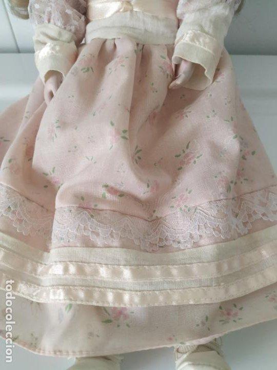 Muñecas Porcelana: Preciosa muñeca de porcelana (cabeza, 1/2 brazo, 1/2 pierna) cuerpo trapo. Años 60/70. 40 cm. - Foto 14 - 202420037