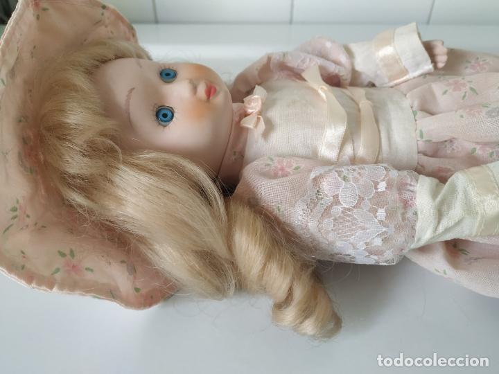 Muñecas Porcelana: Preciosa muñeca de porcelana (cabeza, 1/2 brazo, 1/2 pierna) cuerpo trapo. Años 60/70. 40 cm. - Foto 19 - 202420037