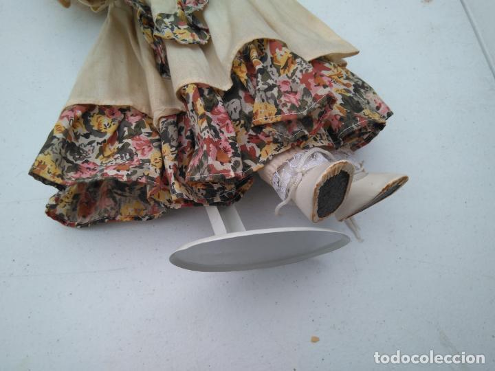 Muñecas Porcelana: ANTIGUA MUÑECA DE PORCELANA CON SOPORTE Y SELLO DE AUTENTICIDAD EN LA NUCA, OJOS CRISTAL - Foto 4 - 203864980