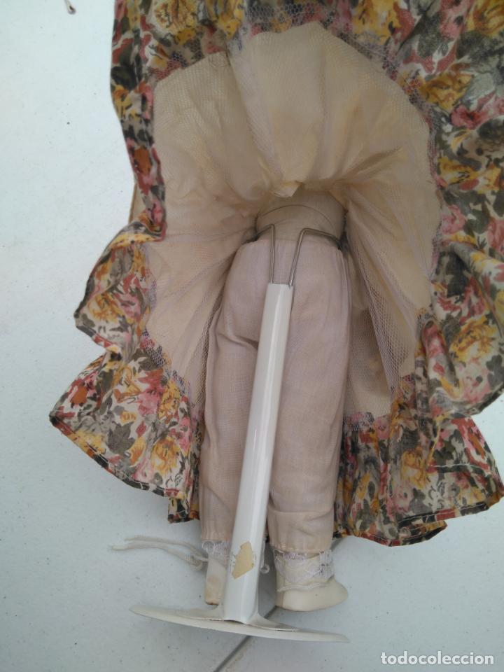 Muñecas Porcelana: ANTIGUA MUÑECA DE PORCELANA CON SOPORTE Y SELLO DE AUTENTICIDAD EN LA NUCA, OJOS CRISTAL - Foto 5 - 203864980