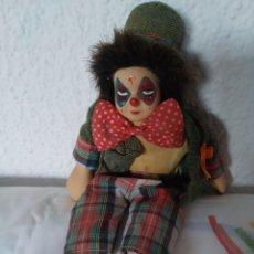 Muñecas Porcelana: MUÑECO PAYASO DE PORCELANA Y CUERPO DE TRAPO.. Lote 204826083
