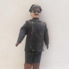 Muñecas Porcelana: MUÑECO DE PORCELANA. SEÑOR CON GAFAS. 12.5CM. Lote 205124695