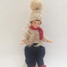 Muñecas Porcelana: MUÑECA DE PORCELANA. NIÑA CON GORRO. 8.5CM. Lote 205127328