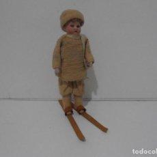 Muñecas Porcelana: ANTIGUO MUÑECO ESQUIADOR, PORCELANA CARTON Y TELA, DESMONTABLE. Lote 206159428