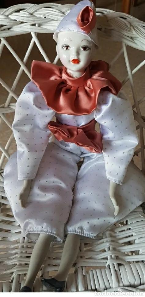 Muñecas Porcelana: Muñeca muñeco arlequín con cabeza, brazos y piernas de porcelana y cuerpo de trapo 42 cm. - Foto 2 - 210818475