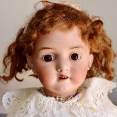 Muñecas Porcelana: ANTIGUA MUÑECA LEHMANN Y CIA - CUERPO DE CUERO- 61 CM -OJOS FIJOS DE CRISTAL. Lote 210934037