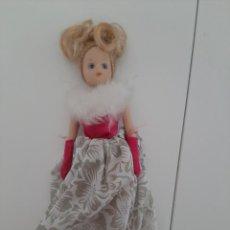 Muñecas Porcelana: MUÑECA DE PORCELANA ANTIGUA. Lote 213603231
