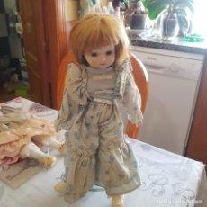 Muñecas Porcelana: MUÑECA DE PORCELANA. Lote 215353535