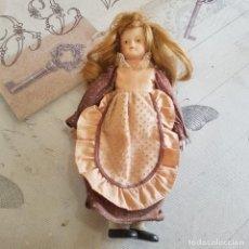 Muñecas Porcelana: MUÑECA DE PORCELANA. Lote 215354333