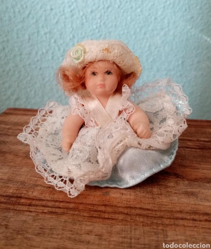 Muñecas Porcelana: Pequeña muñeca de Porcelana 7.5cm aproximadamente. Muy linda - Foto 2 - 218376193