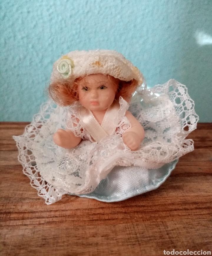 Muñecas Porcelana: Pequeña muñeca de Porcelana 7.5cm aproximadamente. Muy linda - Foto 4 - 218376193
