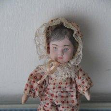 Muñecas Porcelana: MUÑECO BEBÉ DE PORCELANA RARO. Lote 219353972