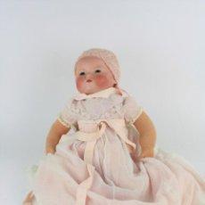 Muñecas Porcelana: MUÑECA CON CABEZA DE PORCELANA Y CUERPO DE TRAPO. 40 CM ALTURA.. Lote 221886352