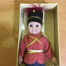 Muñecas Porcelana: MUÑECO VINTAGE AÑOS 60 DE SUAVE PORCELANA IMITANDO MUÑECOS GOOGLY. Lote 221974823