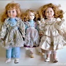 Muñecas Porcelana: TRES MUÑECAS PORCELANA VARIAS BRITANICAS - 34 A 39.CM ALTO. Lote 222597546