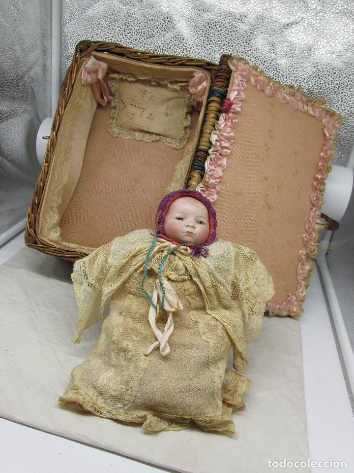 Muñecas Porcelana: Muñeca Grace S. Putnam con cesta y ropaje original de la época. - Foto 2 - 223625986