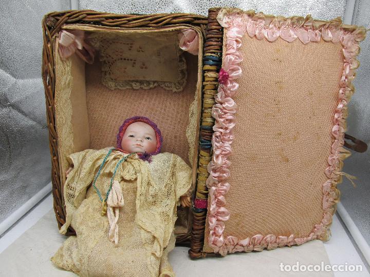 Muñecas Porcelana: Muñeca Grace S. Putnam con cesta y ropaje original de la época. - Foto 4 - 223625986