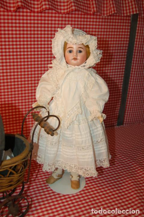 Muñecas Porcelana: muñeca antigua con carro y bebé - Foto 2 - 223785111
