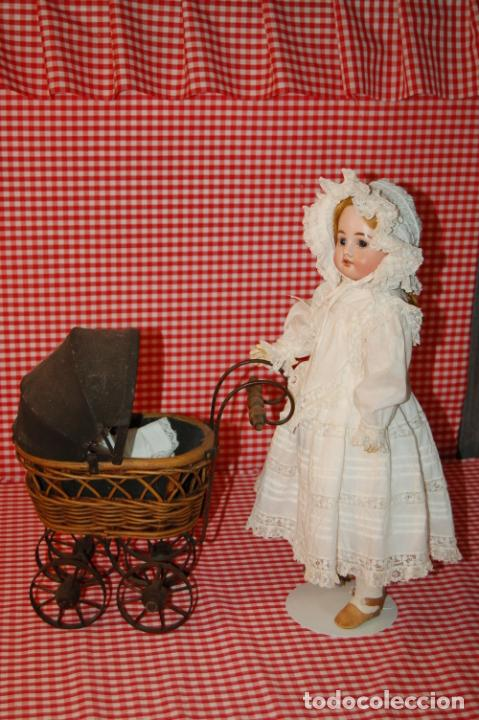 Muñecas Porcelana: muñeca antigua con carro y bebé - Foto 9 - 223785111