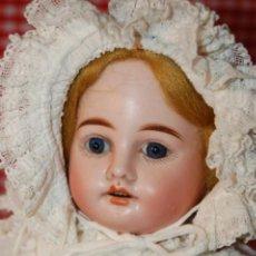 Muñecas Porcelana: MUÑECA ANTIGUA CON CARRO Y BEBÉ. Lote 223785111