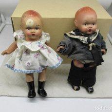 Muñecas Porcelana: MUÑECAS ANTIGUAS DE PORCELANA AÑOS 20, SE VENDEN JUNTAS.. Lote 227220565