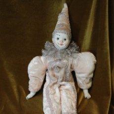 Muñecas Porcelana: POLICHINELA, PORCELANA Y TELA, 45 CM. Lote 231651845