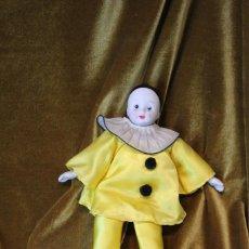 Muñecas Porcelana: PEQUEÑO PIERROT, PORCELANA Y TELA, 29 CM. Lote 231656080