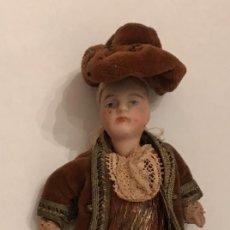 Muñecas Porcelana: ANTIGUO MINI MUÑECO DE PORCELANA - ORIGINAL DE LA ÉPOCA PP SIGLO XX. Lote 236797720
