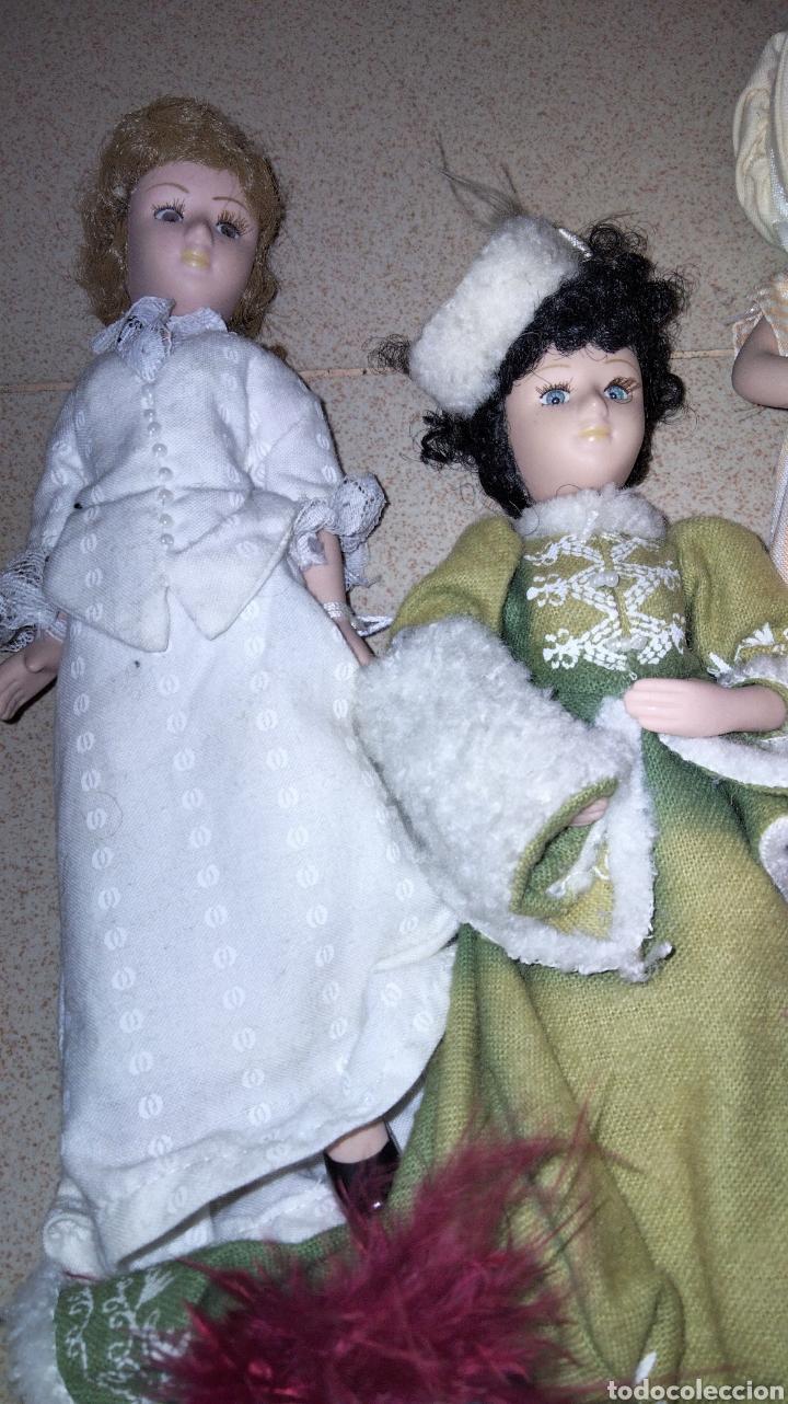 Muñecas Porcelana: PRECIOSAS MUÑEQUITAS DE PORCELANAS CON TRAJES DE EPOCAS - Foto 2 - 236977395