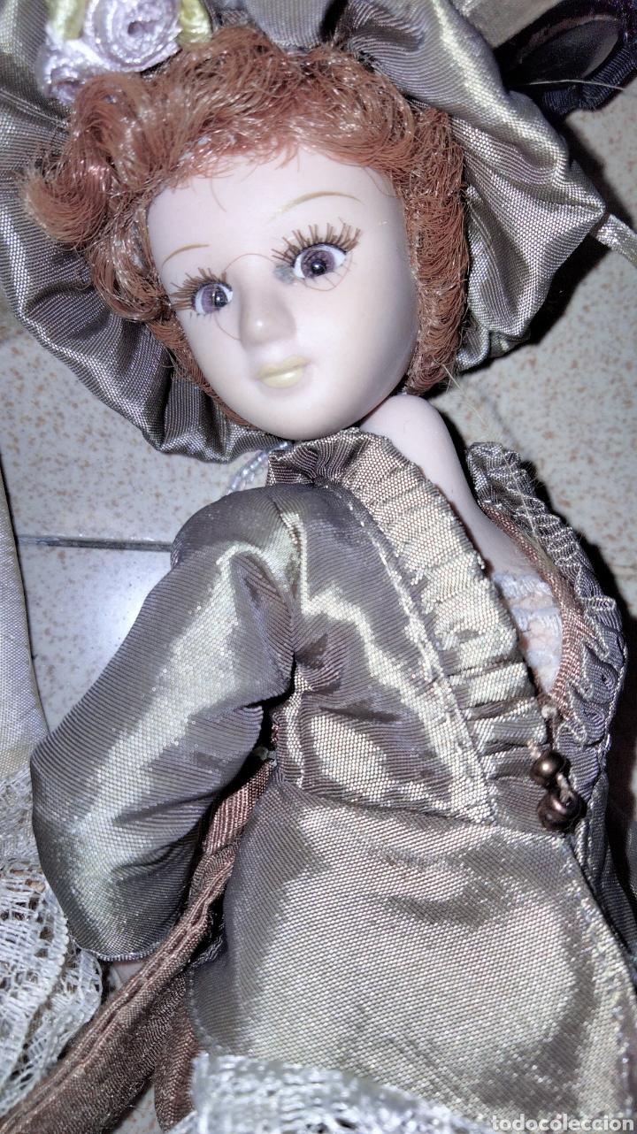 Muñecas Porcelana: PRECIOSAS MUÑEQUITAS DE PORCELANAS CON TRAJES DE EPOCAS - Foto 8 - 236977395