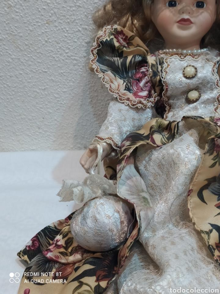Muñecas Porcelana: Preciosa muñeca de porcelana vestido de época - Foto 3 - 237000725