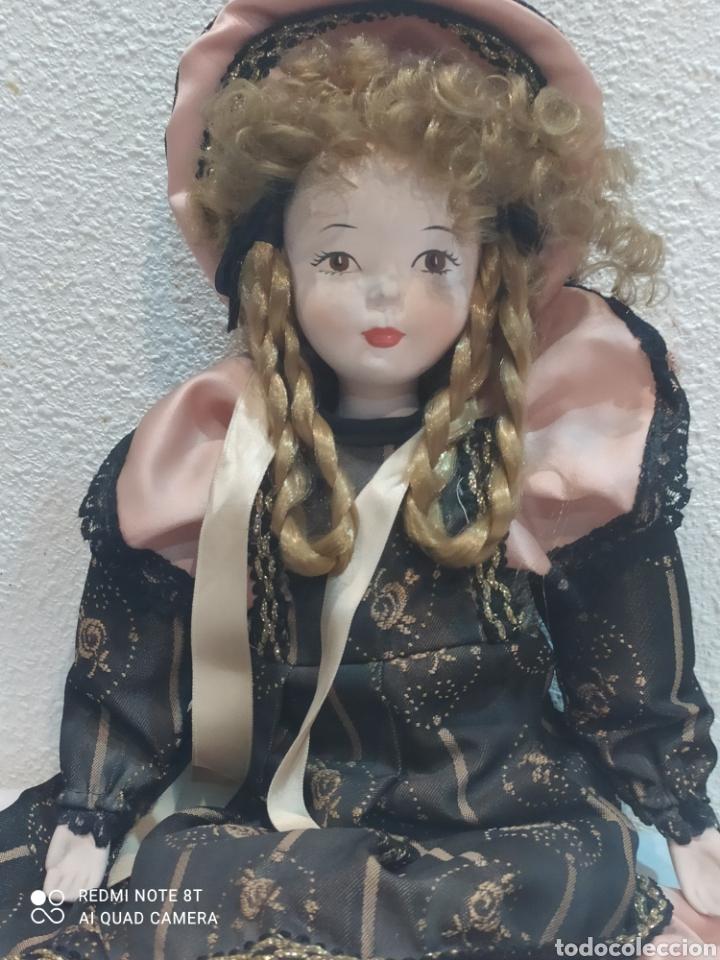 Muñecas Porcelana: Bonita muñeca de porcelana con vestido de época - Foto 2 - 237002085