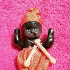 Muñecas Porcelana: MUÑEQUITO ANTIGUO DE PORCELANA. Lote 237949905