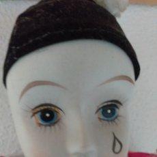 Muñecas Porcelana: ARLEQUÍN PORCELANA 60 CM CON 2 TRAJES. Lote 238565115
