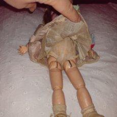 Bambole Porcellana: MUÑECA PORCELANA Y MADERA. Lote 240235850