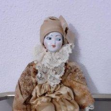 Muñecas Porcelana: MUÑECA ITALIANA DE PORCELANA. Lote 244019090