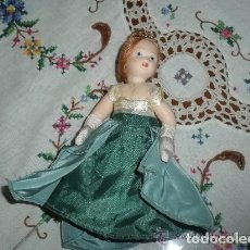 Muñecas Porcelana: MUÑECA ANTIGUA DE PORCELANA. Lote 244775230