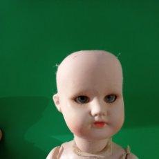 Muñecas Porcelana: MUÑECA ARTICULADA DE PORCELANA O SIMILAR.. Lote 265984183