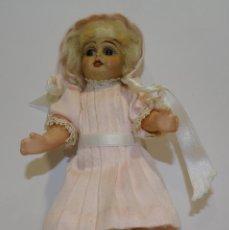 Muñecas Porcelana: MUÑECA ANTIGUA PORCELANA Y CARTÓN PIEDRA OJOS VIDRIADOS PAT Nº 10 MIDE 20 CM. Lote 268451374