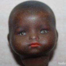 Bonecas Porcelana: CABEZA DE MUÑEQUITO DE PORCELANA NEGRITO OJOS DE VIDRIO - GERMANY MARCA EL LA NUCA - 5CM. Lote 270343193