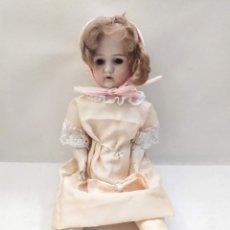 Muñecas Porcelana: MUÑECA VESTIDO ROSA. MARCA ANCORA LC. CABEZA PORCELANA. CUERPO PAPEL MACHE. 49CM. Lote 275070033