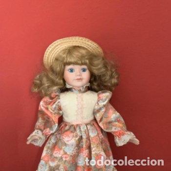 Muñecas Porcelana: Muñeca de porcelana con sombrero de paja - Foto 3 - 287064933