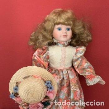 Muñecas Porcelana: Muñeca de porcelana con sombrero de paja - Foto 4 - 287064933