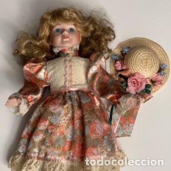 Muñecas Porcelana: Muñeca de porcelana con sombrero de paja - Foto 5 - 287064933