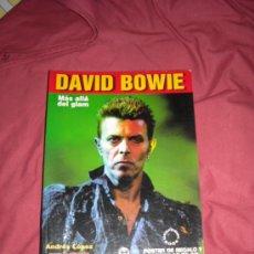 Catálogos de Música: DAVID BOWIE MAS ALLA DEL GLAM LIBRO ANDRES LOPEZ CON POSTER Y CARATULAS DE CD. Lote 26827990