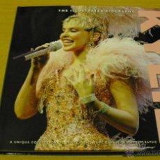 Catálogos de Música: KYLIE - THE ILLUSTRATED BIOGRAPHY (LIBRO COLECCIÓN DE 200 FOTOS). Lote 47612068
