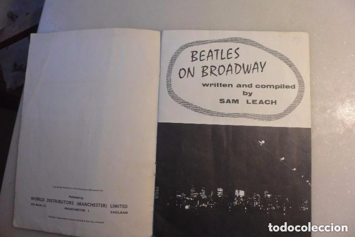 Catálogos de Música: BEATLES ON THE BROADWAY. WORDS AND PICTURES BY SAM LEACH. 1964 - Foto 3 - 102499647