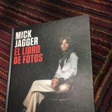 Catálogos de Música: ROLLING STONES MICK JAGGER EL LIBRO DE FOTOS. Lote 105590487