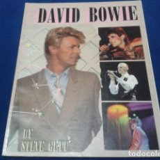Catálogos de Música: BOOK DAVID BOWIE (BIOGRAPHY AND TIMELINE ) BY STEVE GETT 1985 PAGINAS 48. Lote 112221059