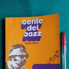 Catálogos de Música: LIBRO GENTE DEL JAZZ 1973 ARGENTINA ENVIO GRATIS CERTIFICADO. Lote 191701530